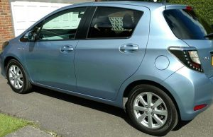 toyota-yaris-hybrid-side-view-review